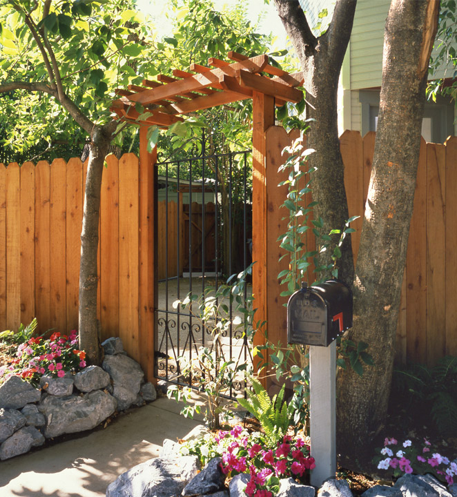 redwood dogearred fence